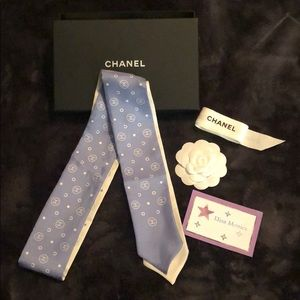 New Authentic Chanel Bandeau Scarf Twilly